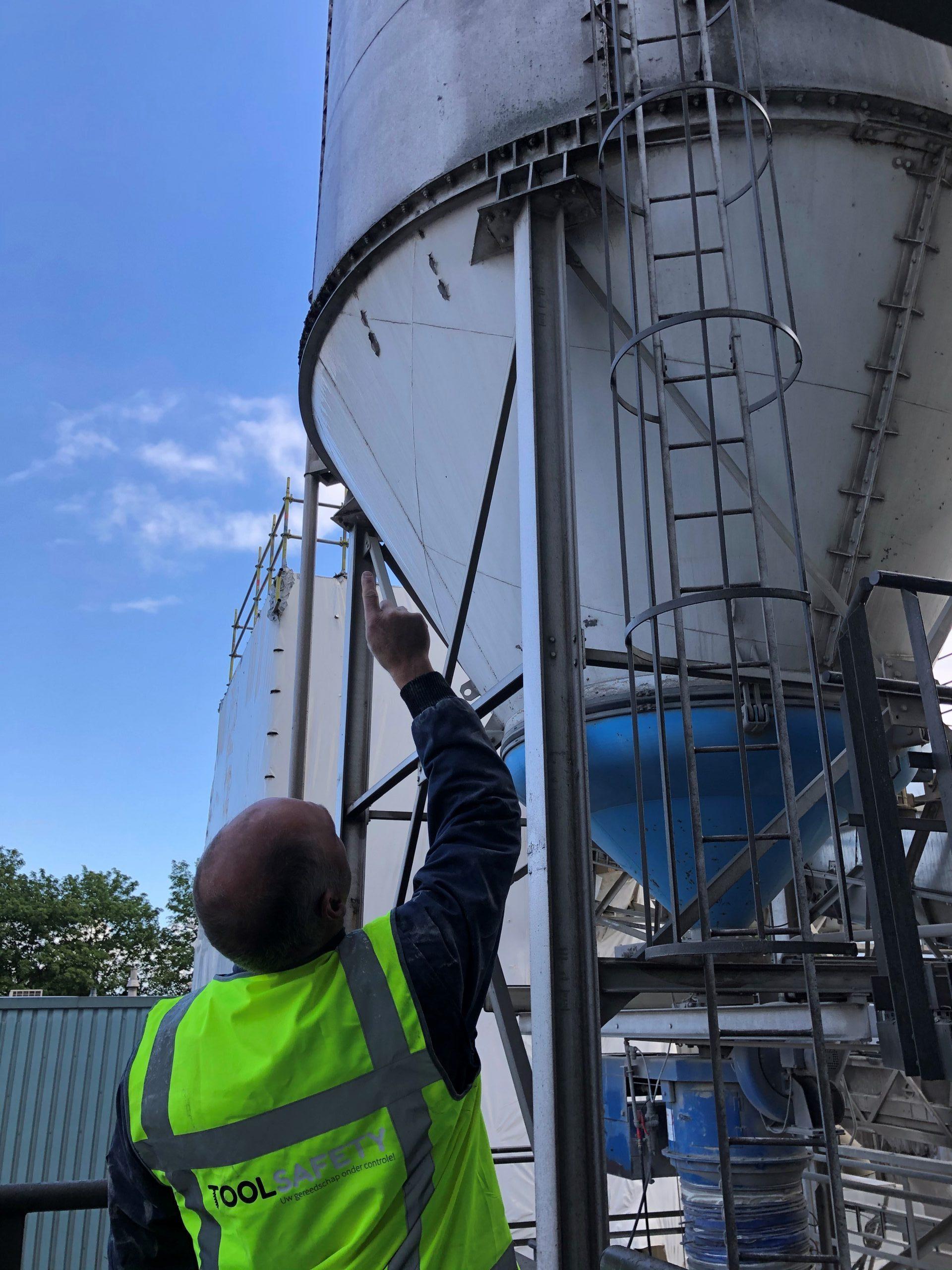 NEN2484 inspectie keuring kooi ladder